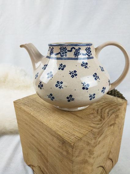 thière anglaise laura asley et johnson brothers crème et à motifs fleurs bleues