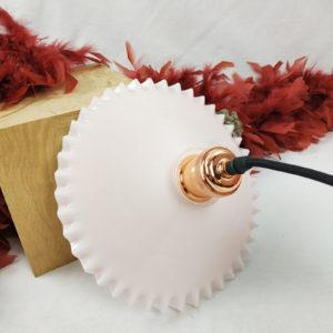 suspension moderne opaline petite dentelle rose Fabriqémoi