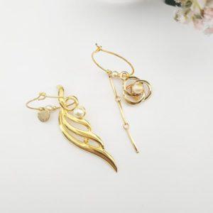 Boucles d'oreilles asymétriques vintage FabriQémoi, dorée, brillante, composé d'une brochet